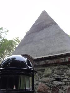 Piramida. Rapa.